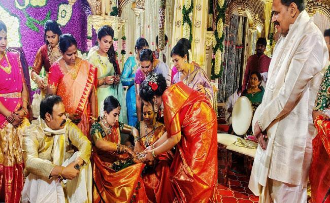 Naga Babu Emotional Tweet Daughter Niharika Wedding - Sakshi