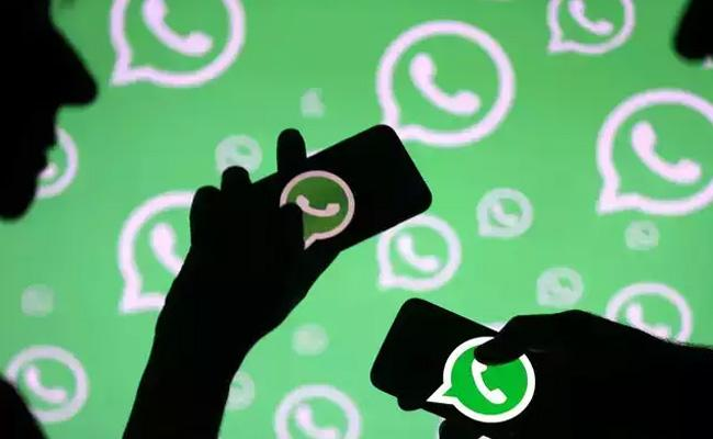 WhatsApp Users Can Now Set Different Wallpapers For Individual Chats - Sakshi