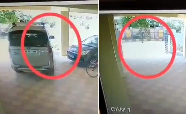 Cyberabad Police Warns Parents And Shares Video Of Children playing On Roads - Sakshi