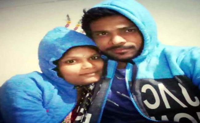 Husband And Wife Deceased In Srikakulam District - Sakshi