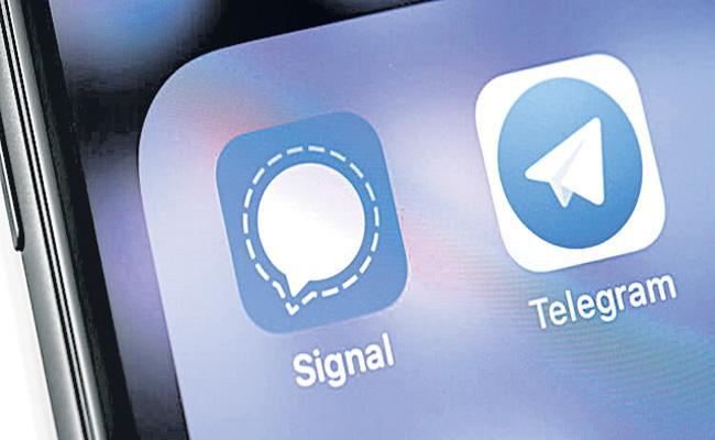 Signal and Telegram downloads surge amid WhatsApp row - Sakshi