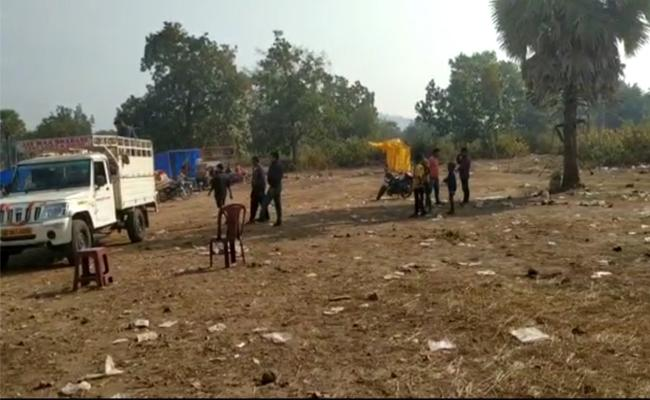 Villagers Attacked Policemen While They Were In Mufti - Sakshi