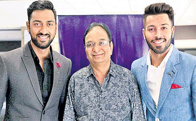 Krunal and Hardik Pandyas father Himanshu passes away - Sakshi