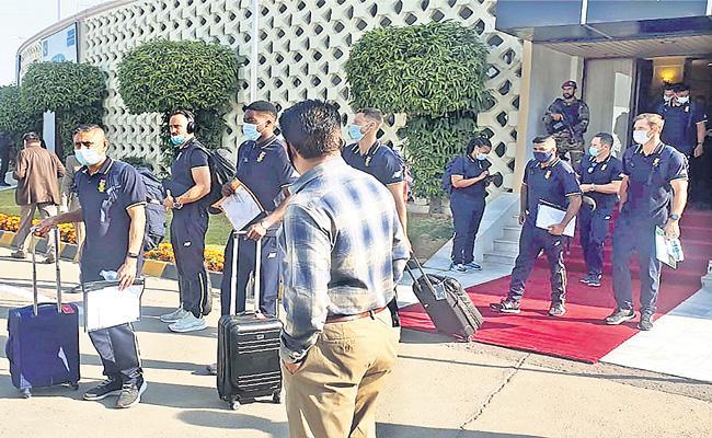 Quinton de Kock-led South Africa land in Pakistan after 14 years - Sakshi
