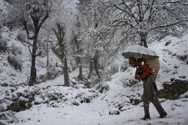 Two Nomad Children Die Of Severe Cold In Kashmir - Sakshi