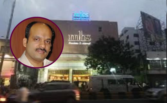 ED Gives Non Bailable Warrant For MBS Jewellers MD Sukesh Gupta - Sakshi