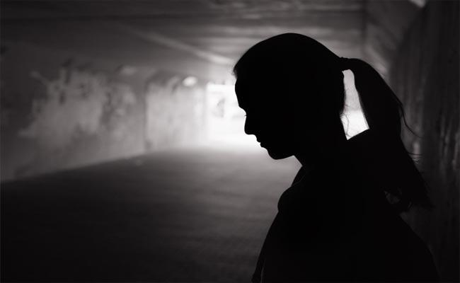 Hyderabad: Woman Commits Suicide After Knows Husband Affair - Sakshi