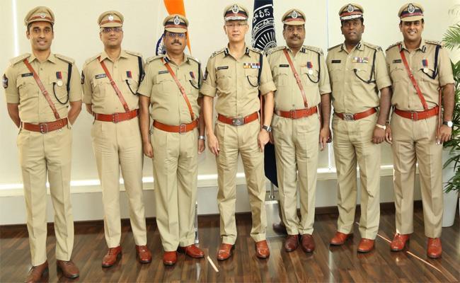 Andhra Pradesh Police Recieved National Awards - Sakshi