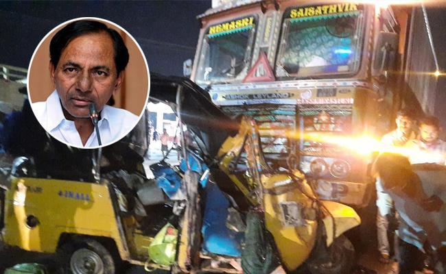 CM KCR Condolense To People Lost Life In Nalgonda Road Accident - Sakshi