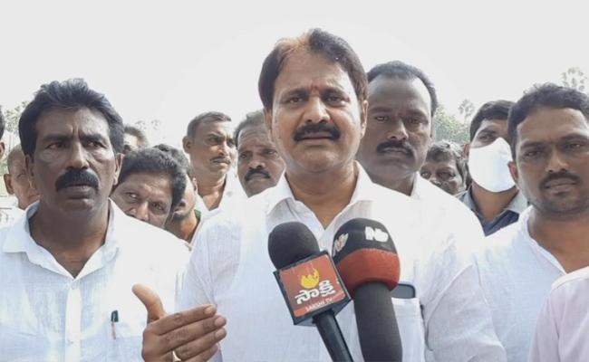 MP Mopidevi Venkata Ramana Comments On Nimmagadda Ramesh - Sakshi