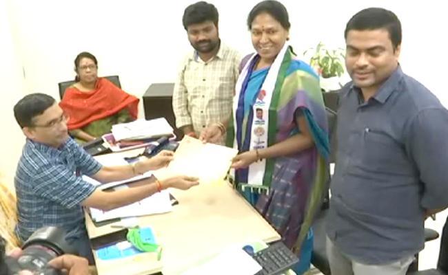Pothula Sunitha Was Elected As MLC - Sakshi