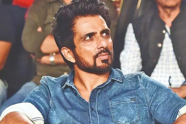 Bombay High Court rejects Sonu Sood pitition - Sakshi