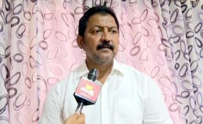 Vallabhaneni Vamsi Slams Chandrababu Naidu - Sakshi
