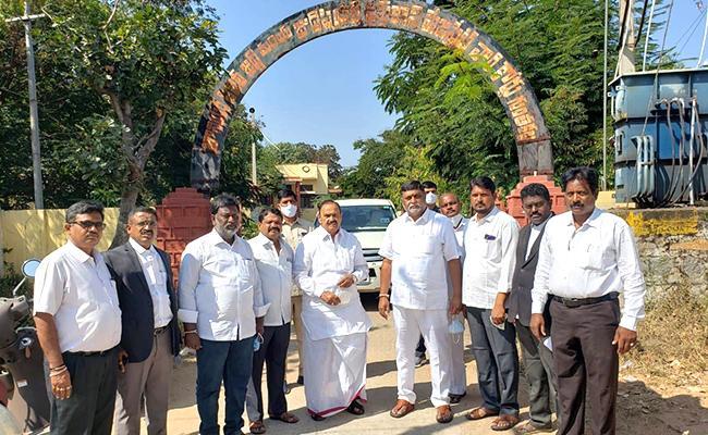 Guntakal YSRCP Leaders Attend JFCM Court - Sakshi