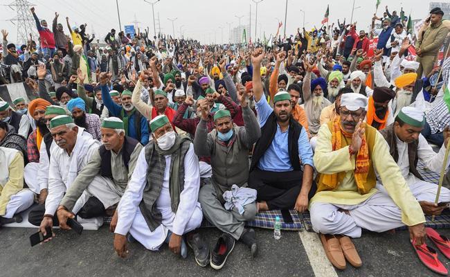 Farmers Union rejects govt proposal to suspend farm laws - Sakshi