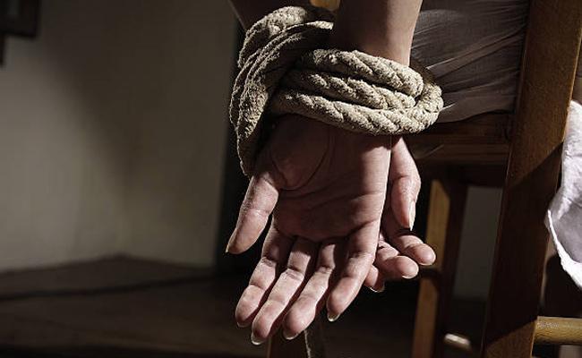 15 Year Old Boy Kidnaps Mother's Lover In Nagpur - Sakshi