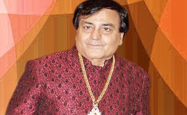 Bhajan Singer Narendra Chanchal Passed Away PM Tweets Condolences - Sakshi