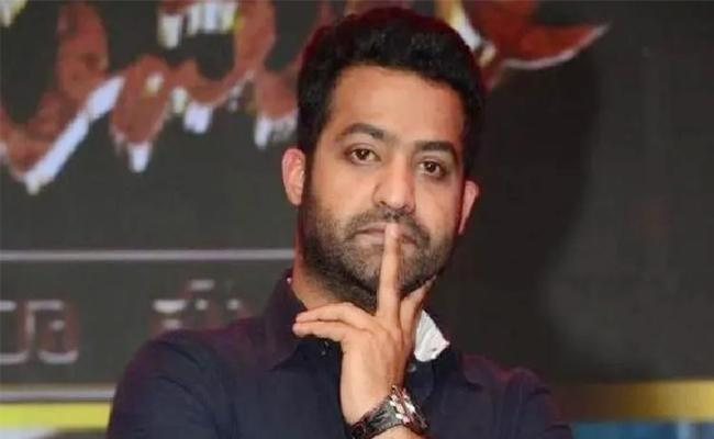 Fan Paid Jr NTR Pending Challan, Asks RRR Movie Tickets - Sakshi