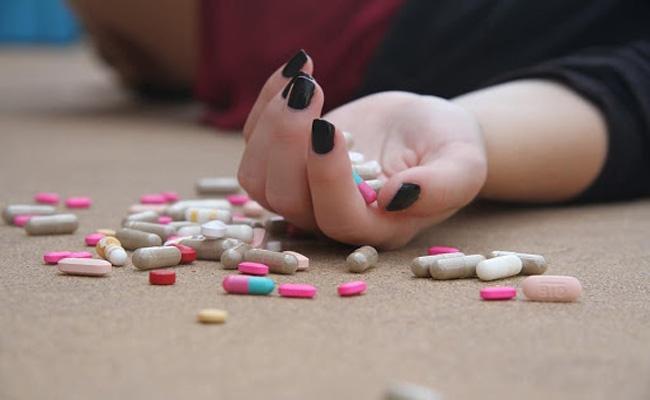 17-year-old abuse victim lifeless after sleeping pills overdose - Sakshi