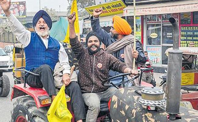 Delhi Police Allowed Farmers Tractor Rally On Republic Day - Sakshi