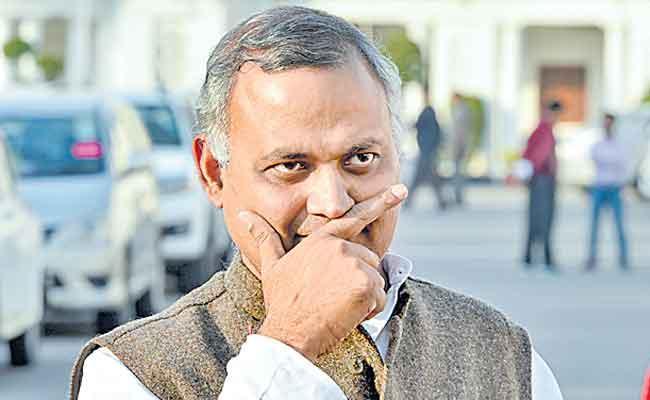 Aap MLA Somnath Bharti Sentenced Two Years Jail For Assaulting AIIMs Staff - Sakshi