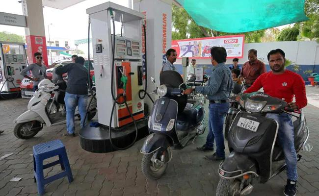 Petrol and Diesel Prices Touch All-Time Highs With 4th Price Rise In Week - Sakshi