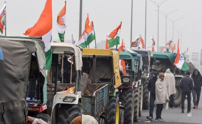 Farmers get permission for republic day tractor march - Sakshi