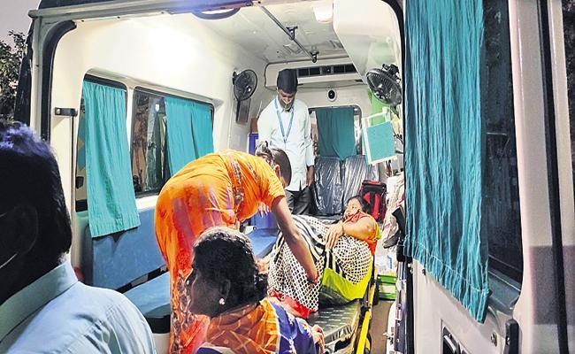 TDP Leaders Bomb Attack On YSRCP Leader - Sakshi
