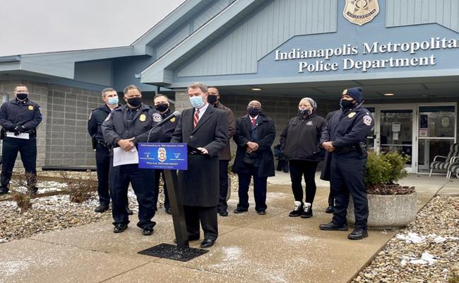 Six shot dead, including pregnant woman in Indianapolis - Sakshi