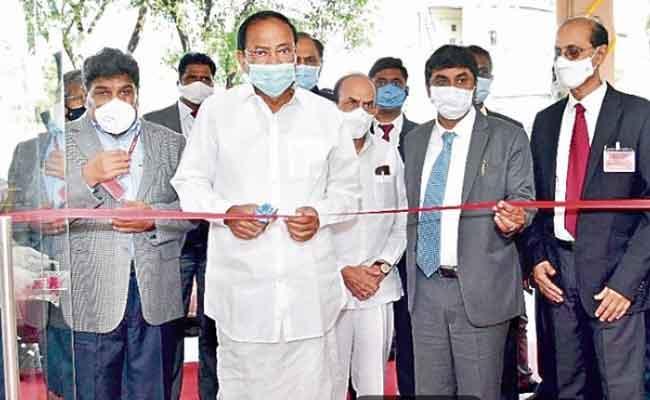 Vice President Venkaiah Naidu Applauds DRDO Role Missile Technology - Sakshi