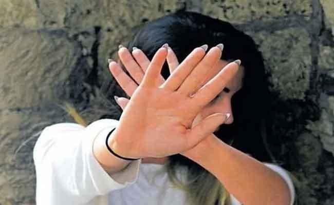 Husband Attacks Wife In Anantapur - Sakshi