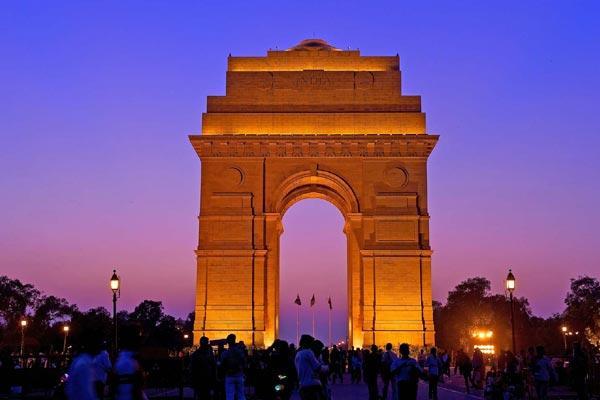 Low Intensity Earthquake in New Delhi - Sakshi