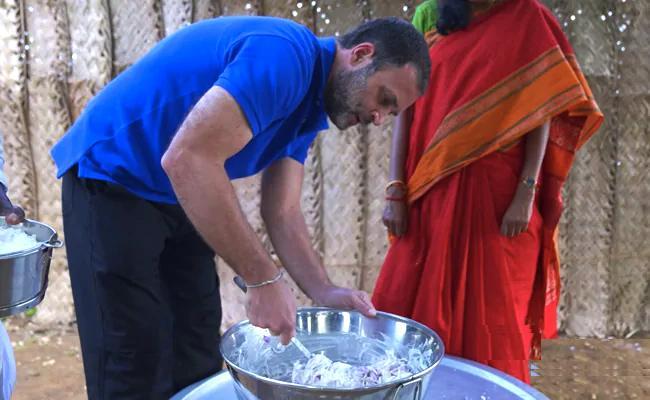 Rahul Gandhi Offer To Popular Tamil Nadu YouTube Cooking Group - Sakshi