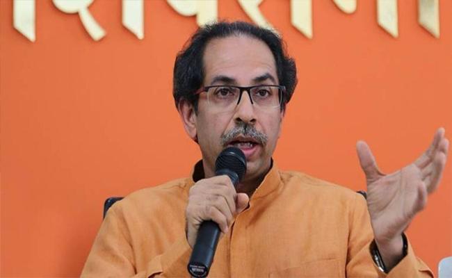 Shiv Sena Coins Uddhav Aapda Line To Woo Gujaratis For BMC Polls - Sakshi