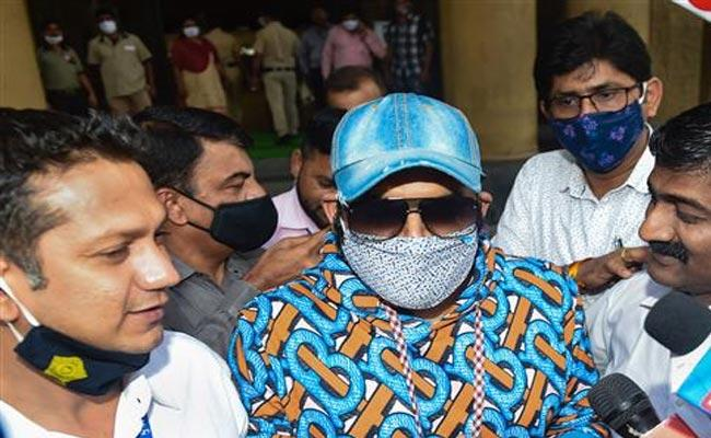 Kapil Sharma Summoned By Police Over Fake Registered Cars Case - Sakshi