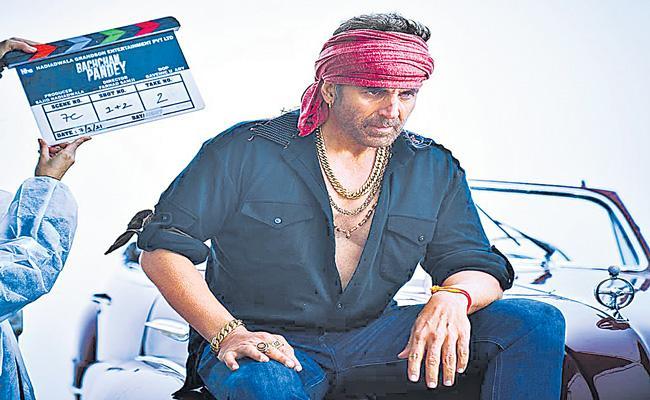 Akshay Kumar drops his first look as gangster in Bachchan Pandey - Sakshi