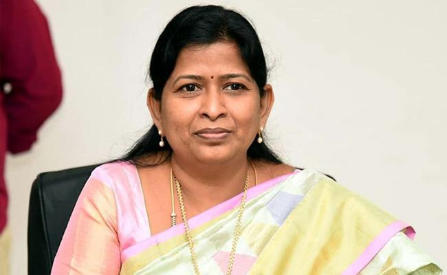 Minister Taneti Vanita Review Meeting On Women And Child Welfare - Sakshi