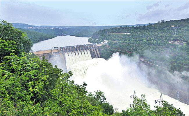 Maximum flooding of the Krishna River for two consecutive years after the decade - Sakshi