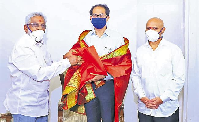 Maharashtra CM Uddhav Thackeray assures TTD chairman YV Subba Reddy - Sakshi