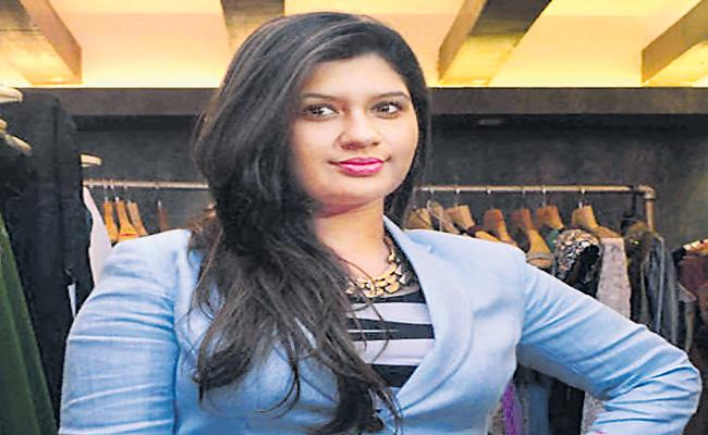 Fashion designer Manali Jagtap defeating the Cancer disease - Sakshi