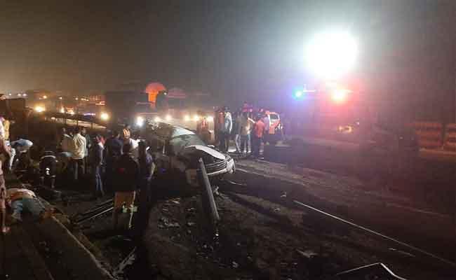 Multiple Vehicle Collision Road Accident Mumbai Pune Expressway - Sakshi