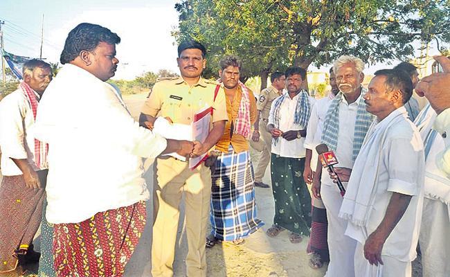 TDP leaders threats and attacks in AP panchayat elections - Sakshi