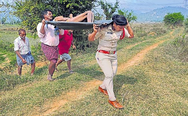 Women SI Humanity in AP - Sakshi