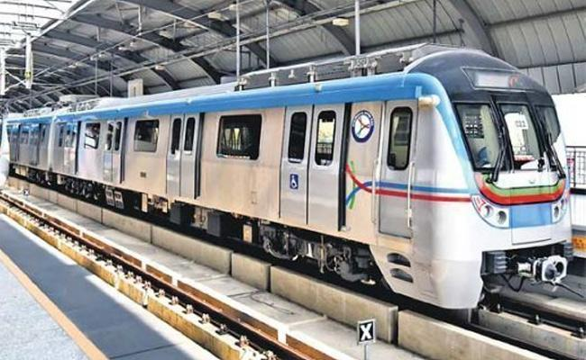 Apollo Hospitals Use Metro Rail For Heart Surgery Transplantation In Hyderabad - Sakshi