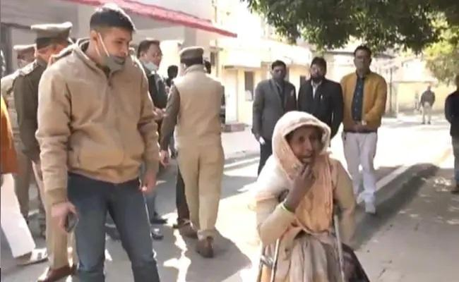 UP Woman Looking for Daughter Accuses Cops - Sakshi