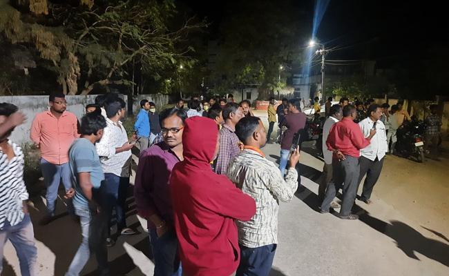 Peddapalli Advocates Deceased Police Thinks Scene Reconstruction - Sakshi