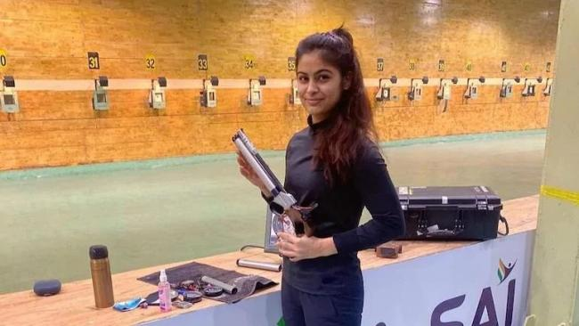 Shooter Manu Bhaker Shared Her Ordeal on Twitter At Delhi IGI Air Port - Sakshi
