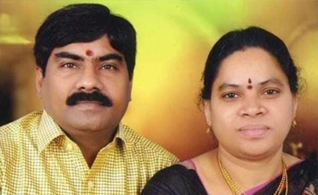 Women Alleges Vaman Rao Killed My Husband From Karimnagar - Sakshi