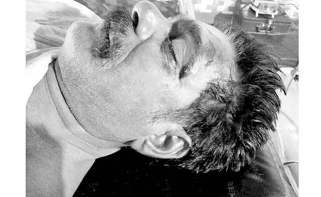 YSRCP Activist Assassination In YSR District - Sakshi
