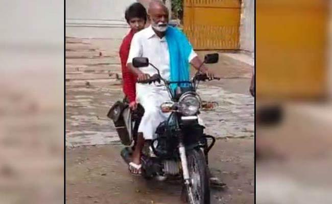 Former Minister Raghuveera Reddy Photos Viral on Social Media - Sakshi